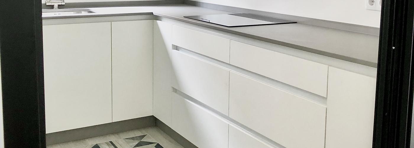 cocina actual blanco sin tirador